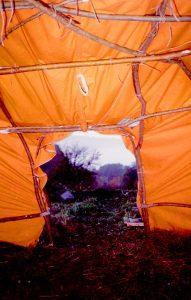 11 - La hutte est couverte